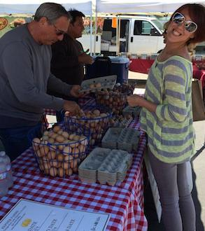 Kepner Farms sells eggs at the Manhattan Beach farmers' market. (photo courtesy Carl Kepner/Kepner Farms)